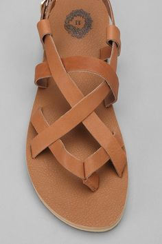 leather strappy sandal.
