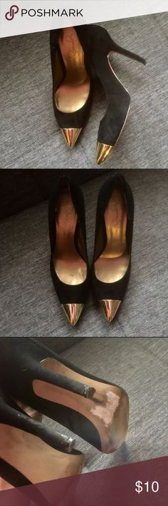 Jessica Simpson Gold Capped Suede Heels Worn and loved but still have a lot of life left! Jessica Simpson black suede heels with a gold metal cap on the toe. Back heels have signs of wear but not too noticeable while wearing. Jessica Simpson Shoes Heels