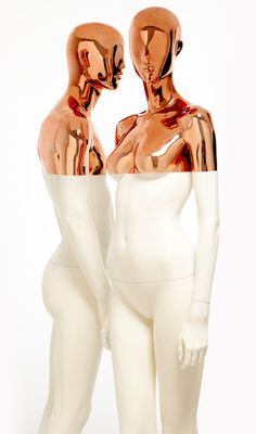 Get that luxurious look with these mannequins and their sophisticated combination of copper chrome and matt white that is sharply edged at shoulder height.Carefully bathed in matt white paint and dipped upside down in a pool of copper chrome shimmer...