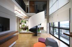 Imagem 1 de 19 da galeria de Via Consulting  / DMDV arquitetos. Fotografia de Renato Dalla Marta