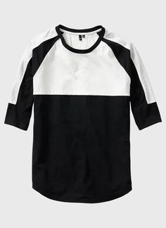 Color-blocked 3/4 Sleeve Baseball Shirt (Black & White) | ISAORA