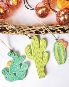 Ceramic Cactus Christmas ornaments, set of three green ceramic cactus, barrel cactus, saguaro cactus, prickly pear cactus - Cactus DIY Diy Old Books, Old Book Crafts, Deco Cactus, Cactus Decor, Cactus Cactus, Christmas Cactus, Christmas Ornament Sets, Christmas Decor, Ceramic Jewelry