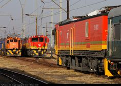 Net Photo: Transnet Freight Rail Class 39 and at Pyramid, South Africa by Kevin R Wilson-Smith South African Railways, Electric Locomotive, Spartan Race, Landscape Photography, Diesel, Racing, Diesel Fuel, Running, Scenery Photography
