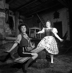 """Fiorenza Cossotto & Renata Scotto - """"Haensel e Gretel"""" 1959 http://www.archiviolascala.org/"""
