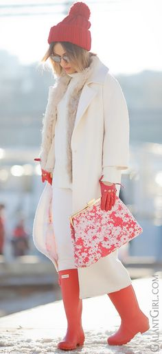 #hunter Boots | #white #Coat | #StellaMcCartney #Clutch | #TotalWhite…