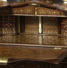 theladyintweed:  This stunning desk, now in the Rijksmuseum, was made by Abraham Roentgen from c1758-60. It was commissioned by Johann Philipp von Walderdorff, the Archibishop and Elector of Trier. His portrait is featured on the very top of the desk (visible in one of the details). Click on the details, the marquetry is simply outstanding.