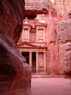 Petra-Jordania-templos-Tesoro