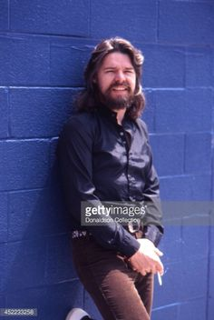 Musician Bob Seger poses for a portrait in May 1980 in Detroit,. Bob Seger, Boogie Woogie, Model Outfits, Blues Music, Gospel Music, Music Icon, Popular Music, American Singers, Country Music