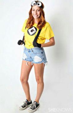 38 Last-Minute Halloween Costumes You Can Quickly DIY. Bets DIY Halloween costume ideas for adults. Creative costume design for girls and boys. Best Halloween party costume for women. Halloween costume for men. Homemade Halloween costume ideas for girls. Cute Halloween Costumes For Teens, Minion Halloween Costumes, Best Friend Halloween Costumes, Hallowen Costume, Last Minute Halloween Costumes, Cute Costumes, Halloween 2018, Costume Ideas, Creative Costumes
