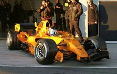 Pedro de la Rosa - McLaren - orange test livery
