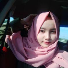 Jilbab Smile: Smile Hijaber is Very Cute Korean Girl, Asian Girl, Sukabumi, Hijab Niqab, Handsome Prince, Muslim Girls, Im In Love, Hijab Fashion, Allah