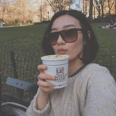 Newyorksick 바나나푸딩 사서 센트럴팤가서  마구마구 파먹고 싶눼 . . . #나를보내달라 #티켓왜케비싸 #셀피 #센트럴파크 #뉴욕 #그리움 #추억 #매그놀리아 #바나나푸딩 #소소한일상 #treat #magnolia #bananapudding #newyork #nyc #wannago #memories #centralpark #dessert #tiring #selfie #instagood #instadaily
