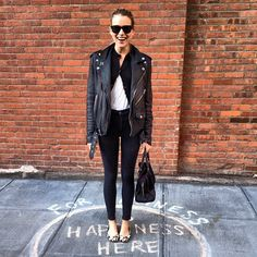 Black leather jacket - Streetstyle - outfit - leopard flats