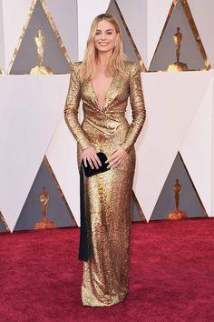 Margot Robbie vestida de Tom Ford en la alfombra roja de los Oscar 2016. #Oscars2016