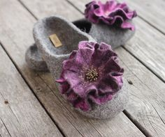 Women felted slippers grey home shoes wool slippers purple flower woolen clogs winter shoes Christmas gift - handmade to order Wool Shoes, Felt Shoes, Wet Felting, Needle Felting, Handmade Christmas Gifts, Handmade Gifts, Felted Wool Slippers, Black Wedge Boots, Grey Slippers