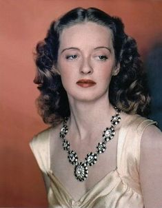 Bette in Color! A gorgeous color pic of Bette Davis! For more Bette pics, info, and all things Classic Hollywood, visit my website! Hollywood Walk Of Fame, Old Hollywood Stars, Hollywood Icons, Golden Age Of Hollywood, Vintage Hollywood, Hollywood Glamour, Hollywood Actresses, Classic Hollywood, Hollywood Divas