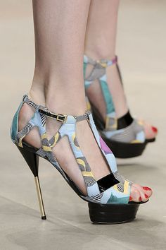 Wild print sandals - PPQ Details Spring 2012 RTW