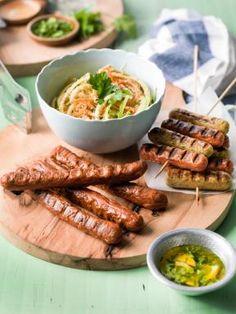 Veggie worstjes met lintsalade van wortel, komkommer en courgette