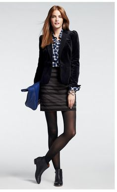 I love this mix of textures and patterns. Perfect for a winter work outfit!