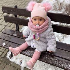 @elaaa.o - https://buyantlerchandelier.com Toddler Outfits, Baby Outfits, Kinder Outfits, Outfits Niños, Toddler Fashion, Kids Fashion, Baby Winter, Baby Photos, Our Baby