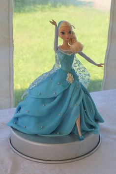 Elsa cake Elsa Birthday, Barbie Birthday, Frozen Birthday, 2 Birthday Cake, Geek Birthday, Bolo Barbie, Barbie Cake, Disney Frozen Cake, Disney Cakes