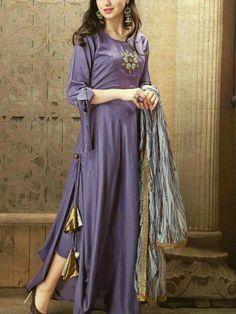 Buy online Inaya Libas Studio Handwork Studio Libas Pure Maslin Inaya Kurtis at wholesale rate In Catalogfashionmart. Silk Kurti Designs, Kurta Designs Women, Blouse Designs, Salwar Designs, Pakistani Dresses, Indian Dresses, Indian Suits, Indian Wear, Stylish Dresses