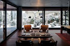 Kastanienbaum Twin Houses,© Leonardo Finotti / Diz Chair by Sergio Rodriguez