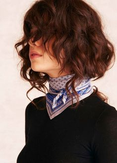 A Peace Treaty's 'Clemente' bandana is crafted from silk twill patterned with small crosshatch pattern and basket weave borders in royal blue. Fashion Models, Look Fashion, Timeless Fashion, Fashion Beauty, Fashion Outfits, Short Shaggy Bob, Katharine Hepburn, Audrey Hepburn, Hair Accessories For Women