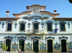 Estação Ferroviária de Vilar Formoso - Portugal Wonderful Places, Beautiful Places, Portuguese Tiles, Ancient Buildings, Shop Fronts, Europe, Mansions, Country, House Styles
