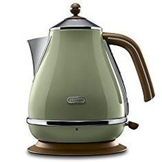 De'Longhi Icona Vintage Waterkoker - L - Products - Minimalismus İdeen Feng Shui, Kettle And Toaster, Vert Olive, Small Kitchen Appliances, Go Green, Olive Green, Retro Design, Sustainable Living, Home And Living