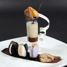 Inspiration for a Black and White Dessert plate #blackandwhite