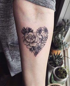 {Latest} Heart Tattoo Designs Will Make You Deep Lover Heart Shaped Rose Tattoo Design Neue Tattoos, Body Art Tattoos, Girl Tattoos, Tattoos For Guys, Thumb Tattoos, Paar Tattoos, Family Tattoos, Foot Tattoos, Heart Flower Tattoo