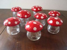Pots champignons  Gare aux Cerises Mushroom Crafts, Mushroom Art, Fall Pumpkin Crafts, Fall Pumpkins, Fairy Doors, Clay Crafts, Pin Cushions, Pots, Craft Projects