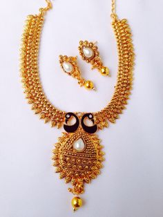 LOLE690 - Rs 1900/- #jewellery #peacock #goldfinish #ethnic #traditional #weddingwear #simple #elegant #love #like #grab #lolstudiops #mangalore #madikeri #india #instagram