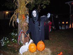 Halloween Decorations - Halloween yard decorations #Halloweenyarddecorations #scaryoutdoorHalloweendecorations #spookyHalloweendecorations #Halloweenfood#BESTHomemadeHalloweenDecorations
