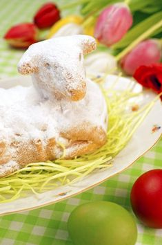 Süße Osterlämmer aus Rührteig sind ein schöner Osterbrauch und machen sich neben Schokoladen-Osterhasen hervorragend auf der Kuchentafel oder schmecken zum...