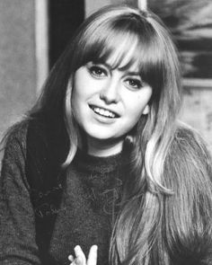 Susan George Actress, Emma Watson Images, Jessi Combs, Olivia Hussey, Movie Magazine, Sixties Fashion, Iconic Movies, I Love Girls, Golden Age Of Hollywood