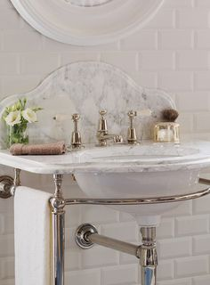 La Parisienne Single Arabascato Washstand | Marble washstand #bathroom