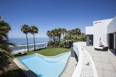 Contemporary Beachfront Jewel - Villa for sale in Los Monteros, Marbella East Luxury Homes Exterior, Luxury Modern Homes, Luxury Rooms, Exterior Design, Waterfront Property, Marbella Property, Marbella Malaga, London Property, Mansions Homes