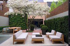 Luciano Giubbilei - Projects i love his work! but beautiful, modern garden design Luciano Giubbilei - Projects i love his work! but beautiful, modern garden design Modern Garden Design, Patio Design, Modern Design, Modern Courtyard, Landscaping Design, Backyard Landscaping, Outdoor Rooms, Outdoor Living, Outdoor Decor