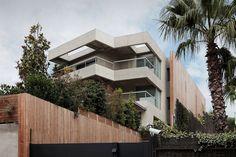 modern wood fence with vertical garden - Szukaj w Google