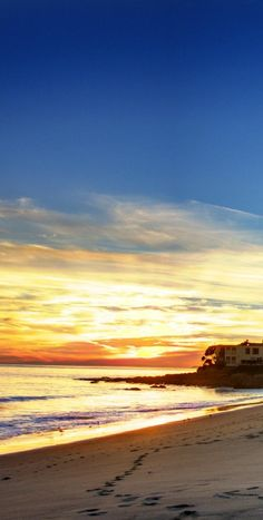 Sunset on Malibu Beach, California. For our L.A. roadtrip. It's all about beaches this summer!