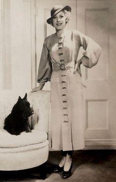 1930s 1930s Fashion, Vintage Fashion, 1930s Dress, Golden Days, Vintage Vogue, Chiffon Dress, Photographs, Style Inspiration, Retro