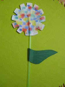 Tischdeko frühling kindergarten  Papierblumen als Tischdeko für den Frühling | Nelken, Tulpe und ...