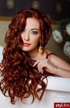 Red or Pink Hair Color Tones - Beautiful red, shiny curls - I& jealous . - Red or Pink Hair Color Tones – Beautiful red, shiny curls – I am jealous of this hair! Beautiful Red Hair, Beautiful Beautiful, Hair Color Pink, Henna Hair Color, Hair Colors, Color Red, Auburn Hair, Ginger Hair, Great Hair