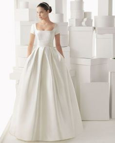 Foto de - www.bodas.com.mx/articulos/vestidos-de-novia-con-escote-cuadrado--c5517