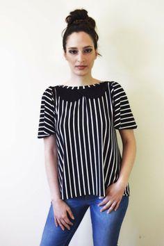 Schwarz weiß gestreifte Bluse // Black and White Striped Blouse by Chrystal via DaWanda.com