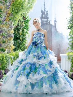 Cool colours - beautiful gown.