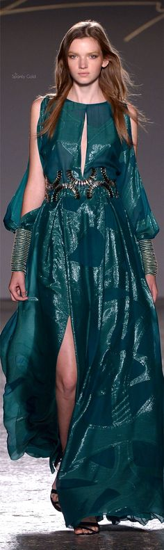 Genny Spring 2016 RTW Women's Dresses, Best Prom Dresses, Nice Dresses, Evening Dresses, Gianni Versace, Green Fashion, Love Fashion, Fashion Art, Glamour