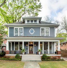 Farmhouse Exterior Colors, Craftsman Exterior, Grey Exterior, House Paint Exterior, Exterior Paint Colors, Exterior House Colors, Exterior Windows, Bungalow Exterior, Style At Home